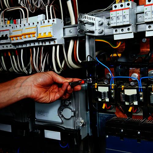 wykonawstwo instalacji elektrycznych w nowych budynkach