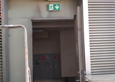 Montaż instalacji oraz opraw oświetlenia drogi ewakuacyjnej Spectrum Tower