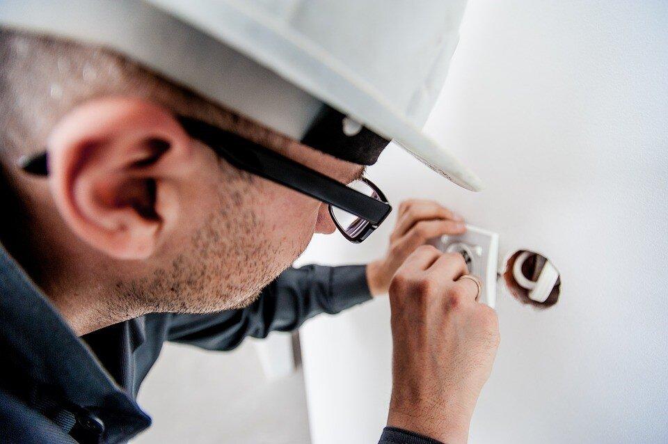 modernizacja instalacji elektrycznych