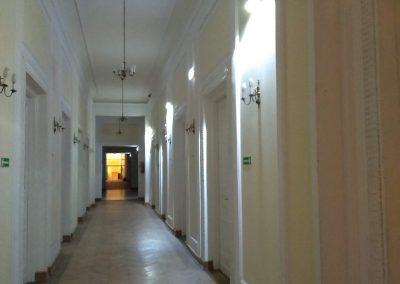 Montaż instalacji oswietlenia awaryjnego w Mazowieckim Urzędzie Wojewódzkim